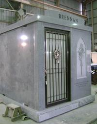GRAY GRANITE 3 CRYPT WALK IN MAUSOLEUM BRONZE DOOR STAINED GLASS WINDOW & MAUSOLEUMS MADE IN AMERICA WITH QUALITY Pezcame.Com